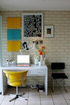 office-desk2