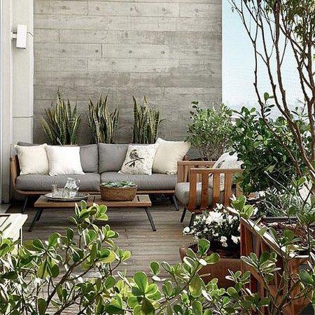 spring-patio1